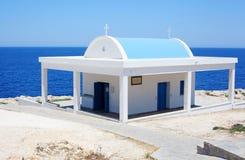 Kleine griechische Kapelle Stockfotografie