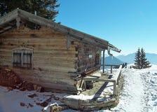 Kleine Hütte in den bayerischen Alpen lizenzfreie stockbilder
