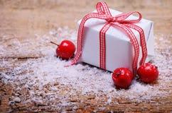 Kleine handgemachte Geschenkbox Lizenzfreie Stockbilder