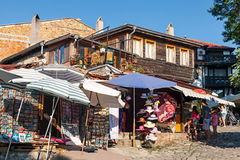 Kleine herinneringswinkels in oude Nessebar, Bulgarije Royalty-vrije Stock Fotografie