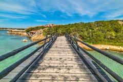 Kleine houten brug in Porto Cervo royalty-vrije stock foto's