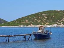 Kleine Houten Vissersboot, Skyros, Griekenland Royalty-vrije Stock Foto