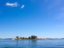 Kleine Insel im Archipel Stockfotografie
