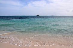 Kleine Insel in Meer Stockfoto