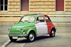 Kleine Italiaanse uitstekende auto Royalty-vrije Stock Foto's