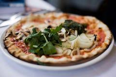 Kleine italienische Pizza Lizenzfreies Stockfoto
