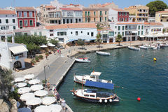 Kleine jachthaven in Arrecife, Menorca, de Balearen, Spanje royalty-vrije stock foto's