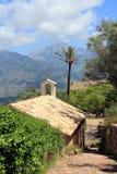 Kleine kapel met palm Royalty-vrije Stock Foto