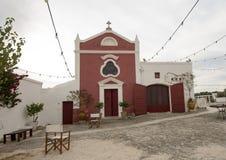 Kleine kerk in de toevlucht die van Masseria Torre Coccaro van 1730 dateren Royalty-vrije Stock Afbeeldingen