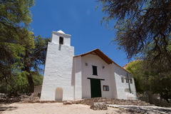 Kleine kerk in Purmamarca, Argentinië Stock Afbeeldingen