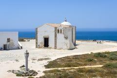Kleine Kerk van Onze Dame van Gunst bij Sagres-Vesting in Algarve royalty-vrije stock fotografie