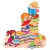 Kleine kinderen die een boek lezen stock illustratie
