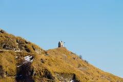 Kleine Kirche auf eine Spitze Italienische Alpen Stockfoto