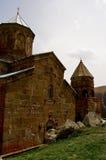 Kleine Kirche in den Bergen von Kaukasus-Ansichten von Giorgia Stockbilder