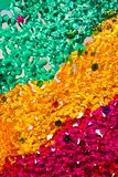 Kleine kleurrijke samengebonden glaskorrels Stock Fotografie