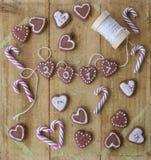 Kleine koekjes voor Nieuwe Year& x27; s Stock Afbeeldingen
