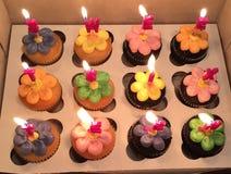 Kleine Kuchen des Bonbons sechzehn Stockfotos
