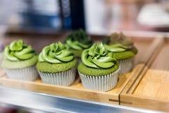 Kleine Kuchen des grünen Tees Lizenzfreie Stockfotografie