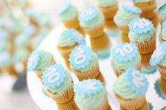 Kleine Kuchen mit Nr. 10 auf ihnen Lizenzfreies Stockfoto