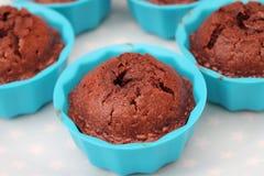 Kleine Kuchen mit Schokolade Stockfotos
