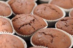 Kleine Kuchen mit Schokoladennachtisch stockbilder