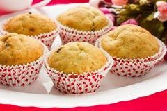 Kleine Kuchen an Valentinsgruß ` s Tag stockfotos