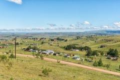 Kleine landbouwbedrijven onder Katkop-Pas tussen Onderstel Fletcher en Maclear royalty-vrije stock fotografie