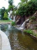 Kleine lopende waterval Royalty-vrije Stock Fotografie
