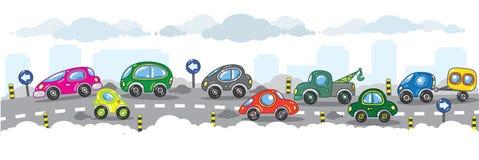Kleine lustige Autos auf der städtischen Stadtstraße. Lizenzfreies Stockfoto