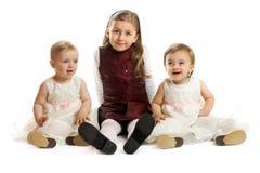 Kleine Mädchen auf weißem Hintergrund Lizenzfreies Stockbild