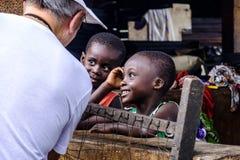 Kleine Mädchen Ghana stockfotos