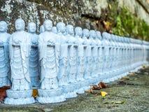 Kleine Mönchbuddha-Statuen Stockbilder