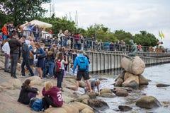 Kleine Meerjungfraustatue in Kopenhagen Lizenzfreie Stockfotografie