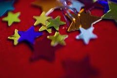 Kleine mehrfarbige Sterne Lizenzfreie Stockbilder