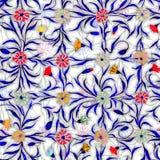Kleine mooie bloemen met bladeren op lichte achtergrond Heldere korenbloemen in controle naadloos patroon Het Schilderen van de w vector illustratie