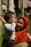 Kleine nicht identifizierte moslemische Kinder in Kargil, Indien lizenzfreie stockfotos