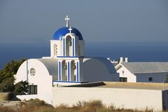 Kleine orthodoxe Kirche bei Santorini, Griechenland Lizenzfreie Stockfotos