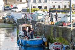 Kleine passagiersboot in Portmagee Stock Fotografie