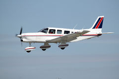 Kleine Privatflugzeuglandung Stockfoto