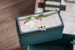 Kleine rechthoekige doos voor klein royalty-vrije stock afbeeldingen