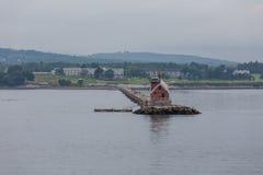Kleine Rode Vuurtoren op Maine Coast Royalty-vrije Stock Foto