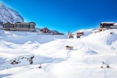 Kleine Scheidegg en la estación de esquí de Jungfrau en las montañas suizas Fotografía de archivo libre de regalías
