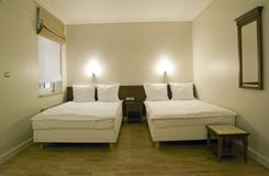 Leuke Kleine Slaapkamers : Kleine slaapkamer stock foto afbeelding bestaande uit laag