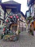 Kleine Städte verziert für Weihnachten Straßburg - Elsass, Frankreich Lizenzfreie Stockfotografie