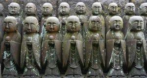 Kleine standbeelden in Hasedera Stock Foto's