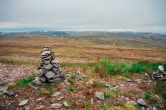 Kleine stapel van rotsen bij de het Noordenkaap Nordkapp, Finnmark, Noorwegen royalty-vrije stock foto