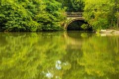 Kleine Steinbrücke im Central Park Lizenzfreie Stockbilder