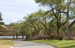 Kleine Straße in den Pionieren parken in Lincoln, Ne stockfotografie