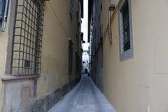 Kleine Straße in Florenze Italien lizenzfreie stockbilder