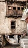 Kleine straat in Leh, India Stock Afbeelding